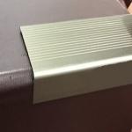 Cantoneira em alumínio para degraus G-700 39,25x17,70x1x3000mm